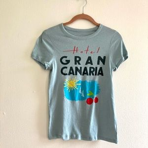 NWT Chaser Hotel Gran Canaria tee shirt size small